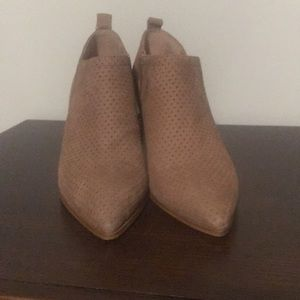 Franco Sarto pointed toe tan booties